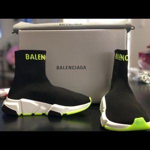 Balenciaga Sporty Knit Black/Yellow